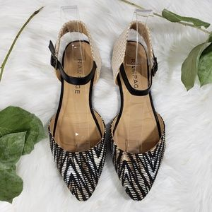 Rampage Black and Tan Closed Toe Sandals